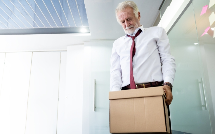 Senior business is unemployed. Problems with dismissed employees before retirement